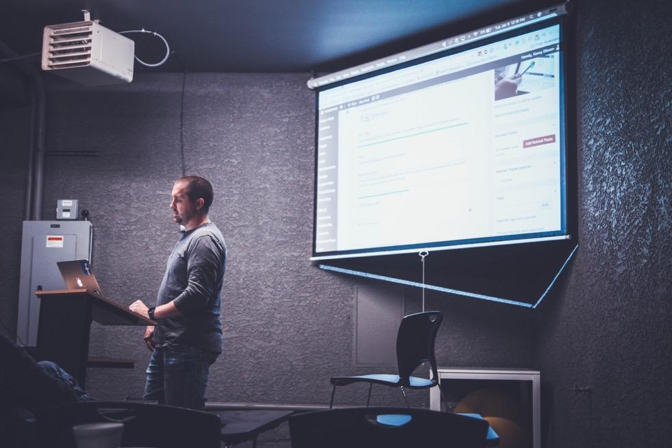 Prezenčné alebo online kurzy