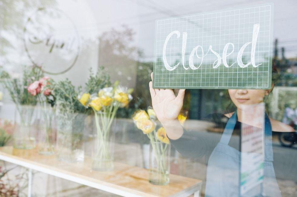 zatvorený obchod