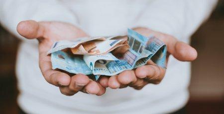 Minimálna mzda 2021: Bude jej výška až 656 eur?